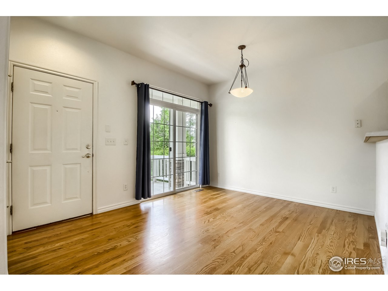 Entry-Dining Room