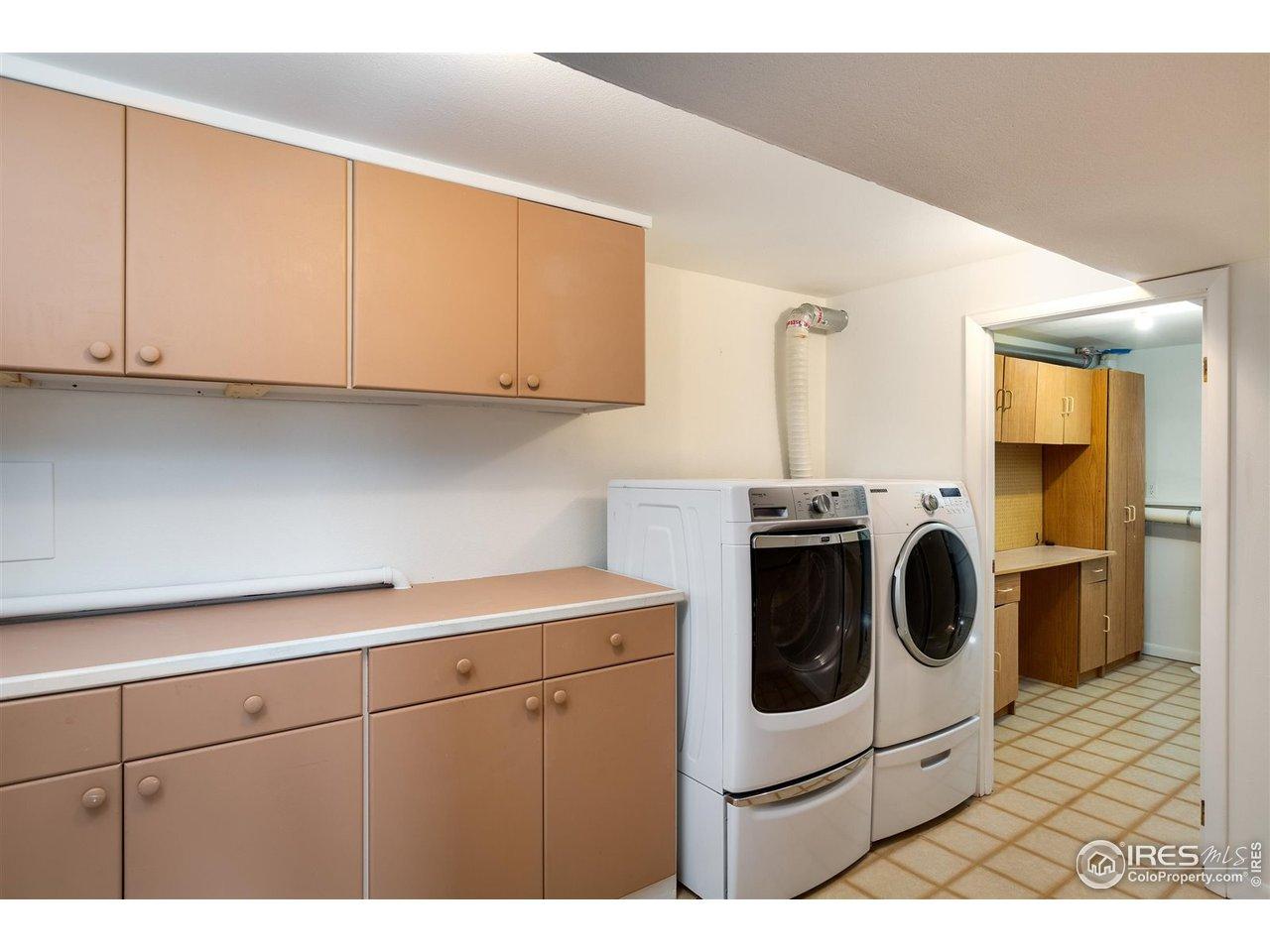 Laundry with storage/flex room
