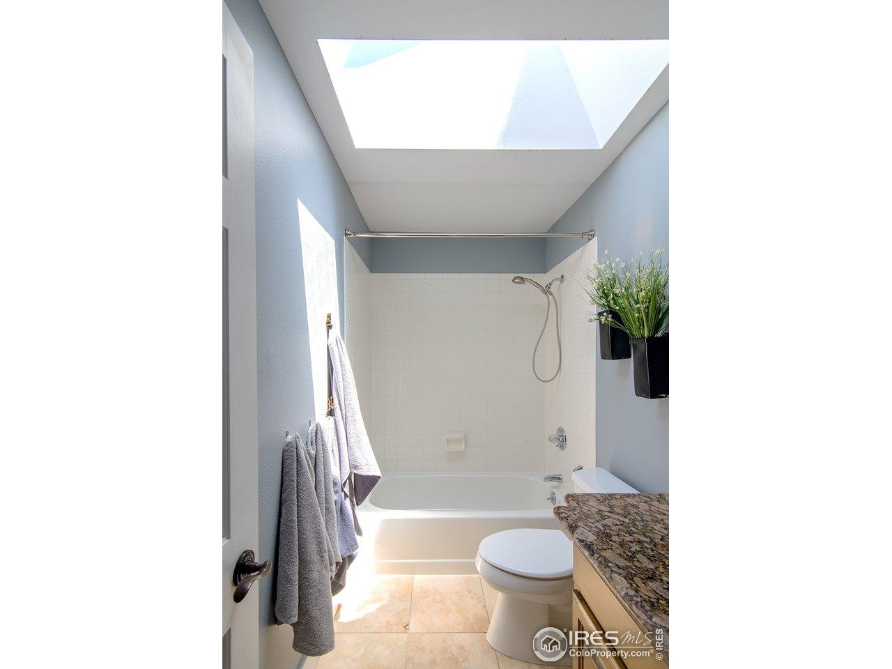 Upper Full Bath 1