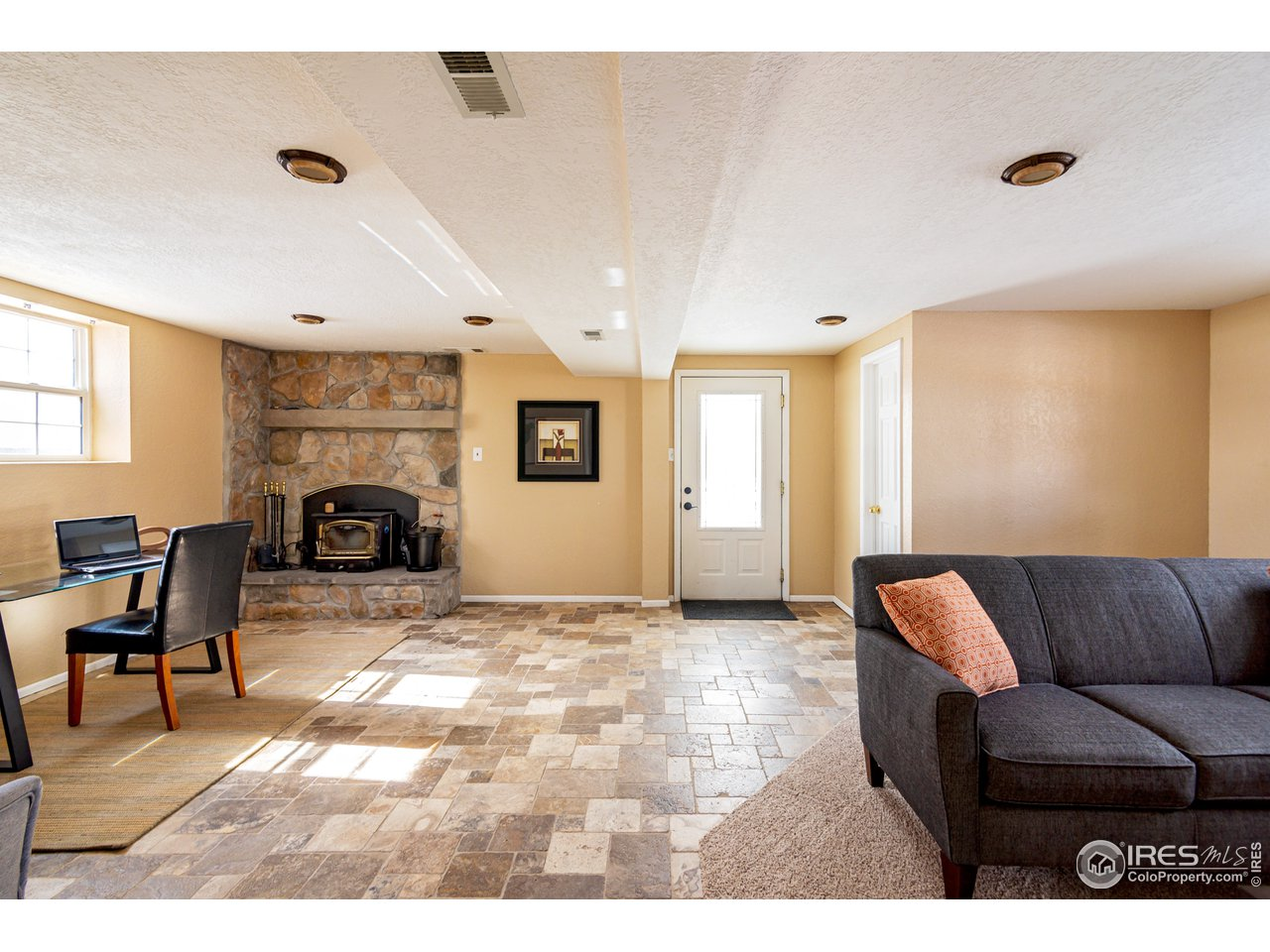 Spacious lower level w/private entrance