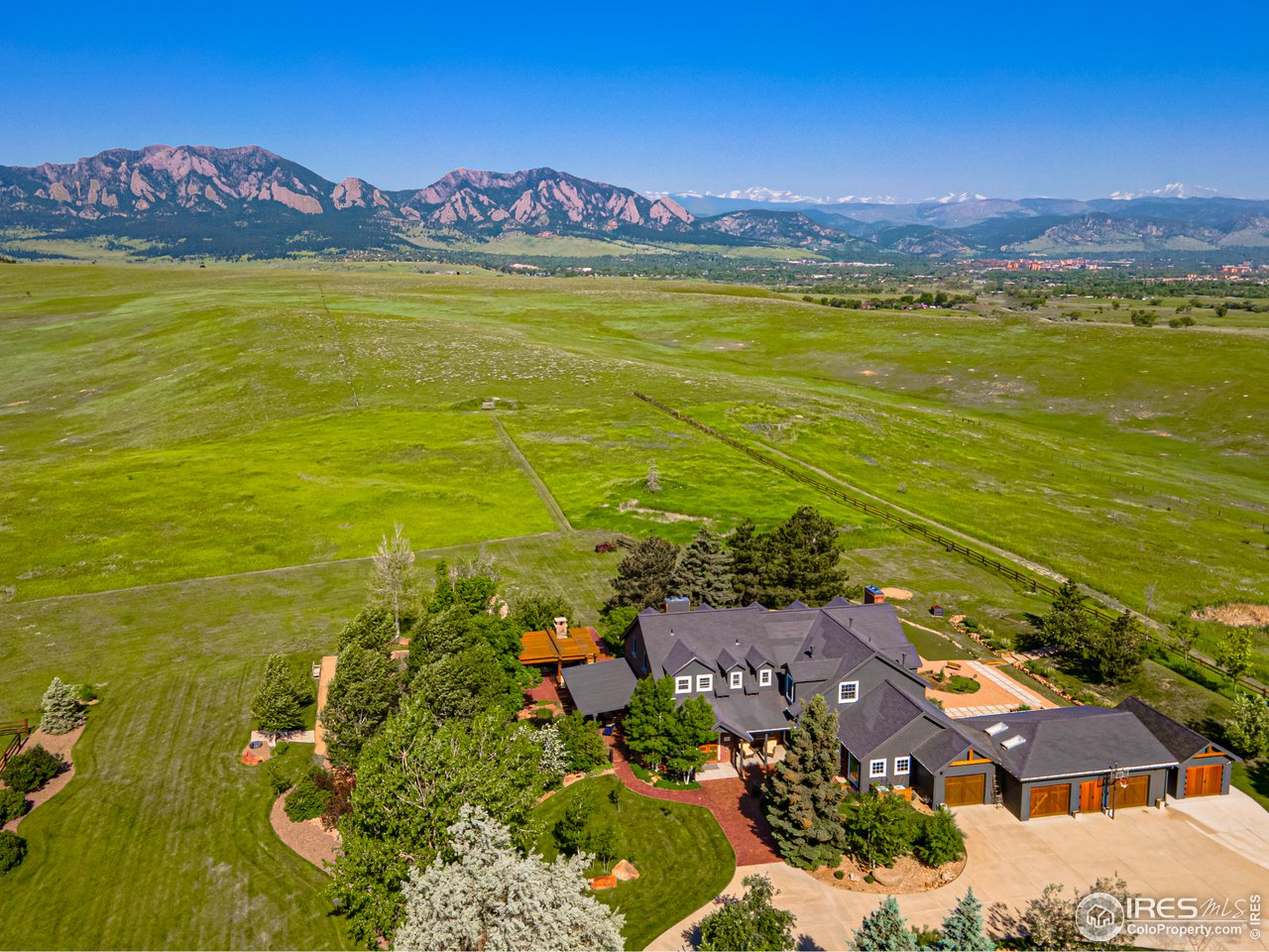 One of Kind Sweeping Vista Views