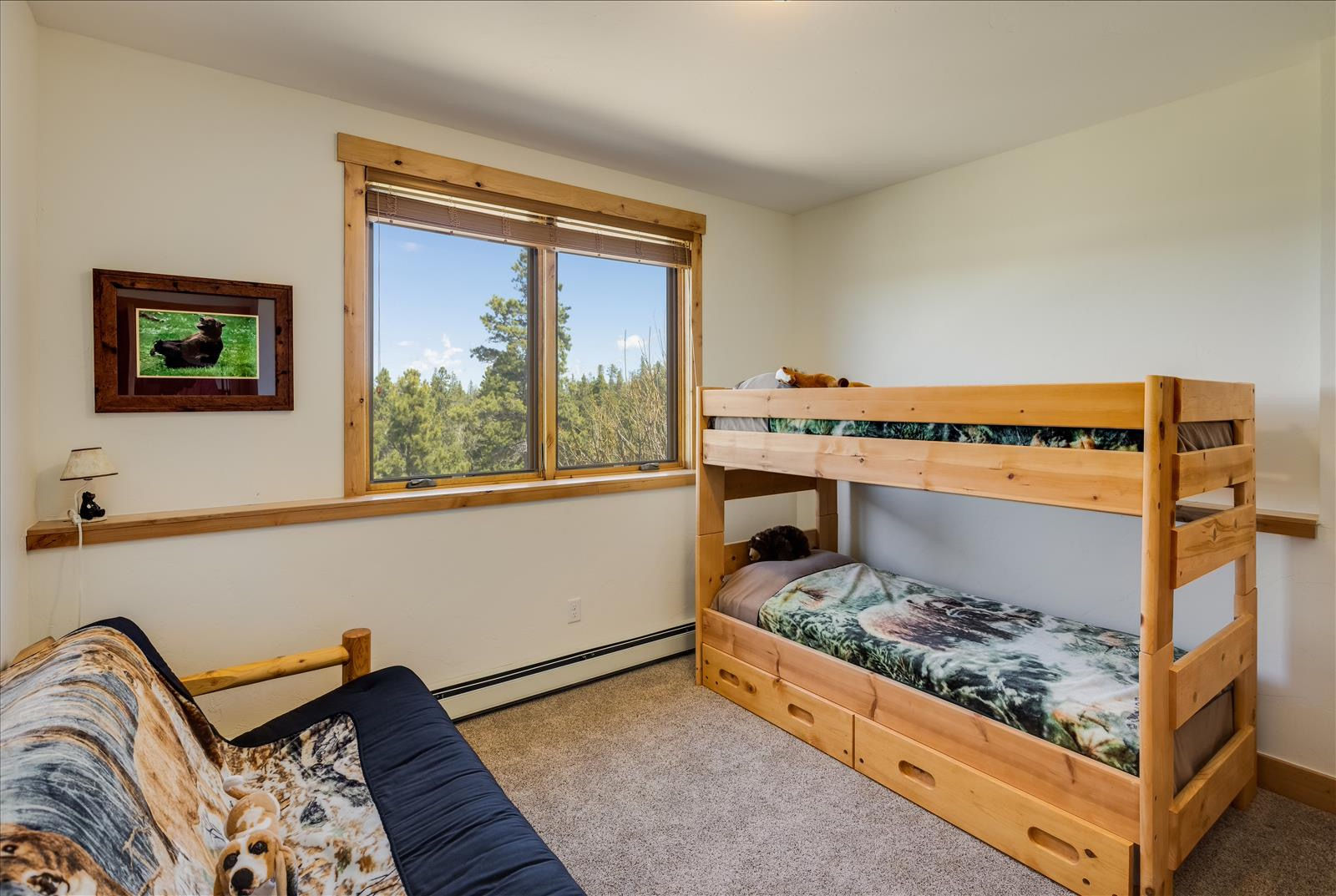 4th bedroom downstairs, bunk beds included