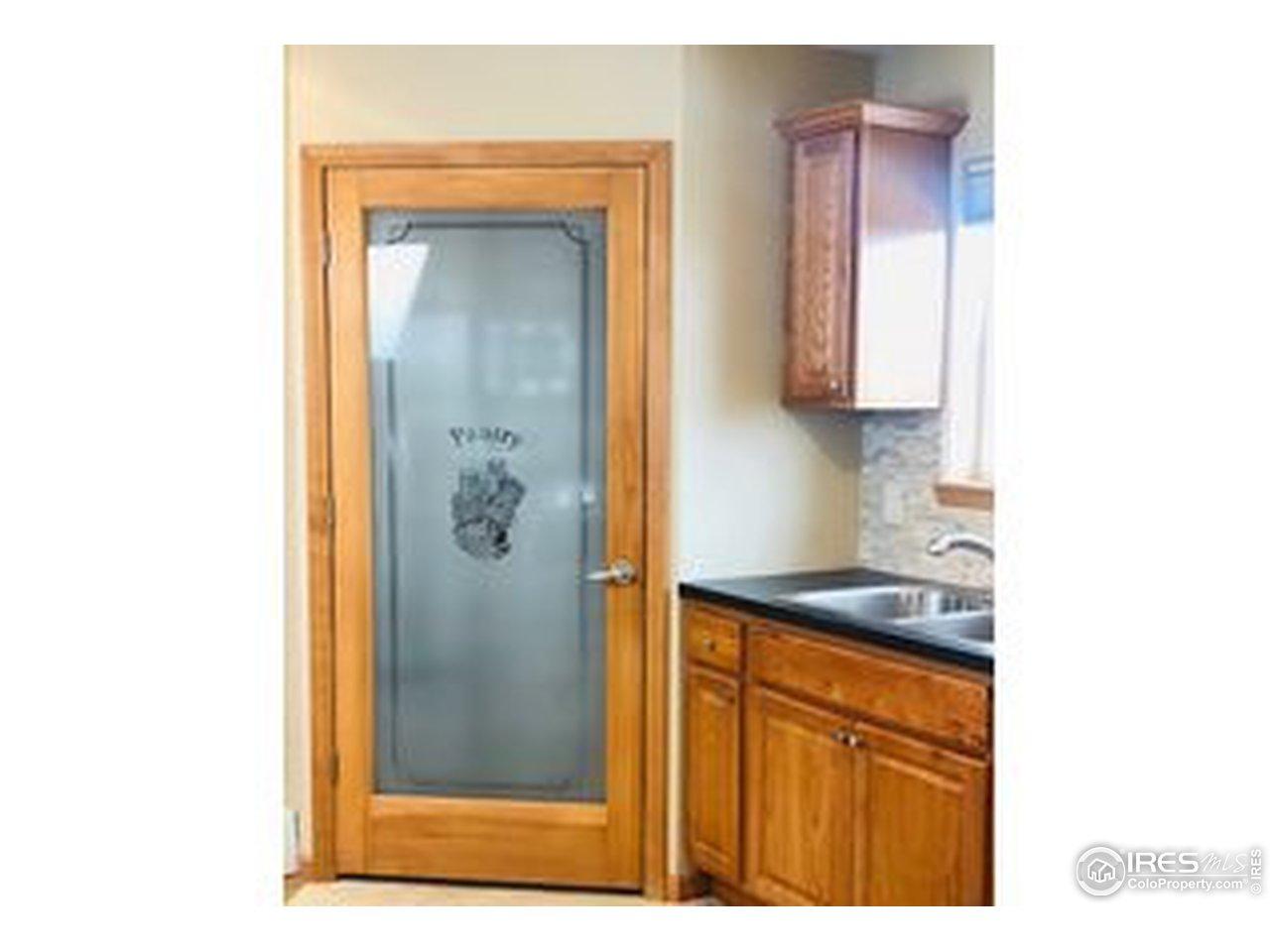Wonderful kitchen and pantry