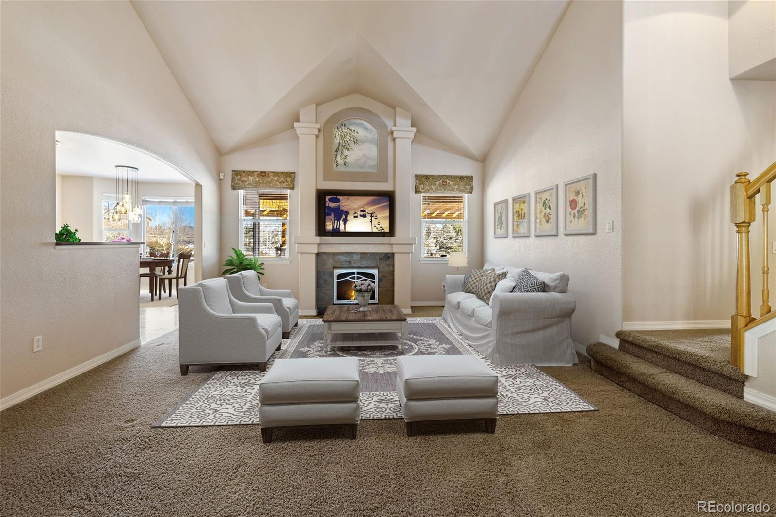Living room w fireplace