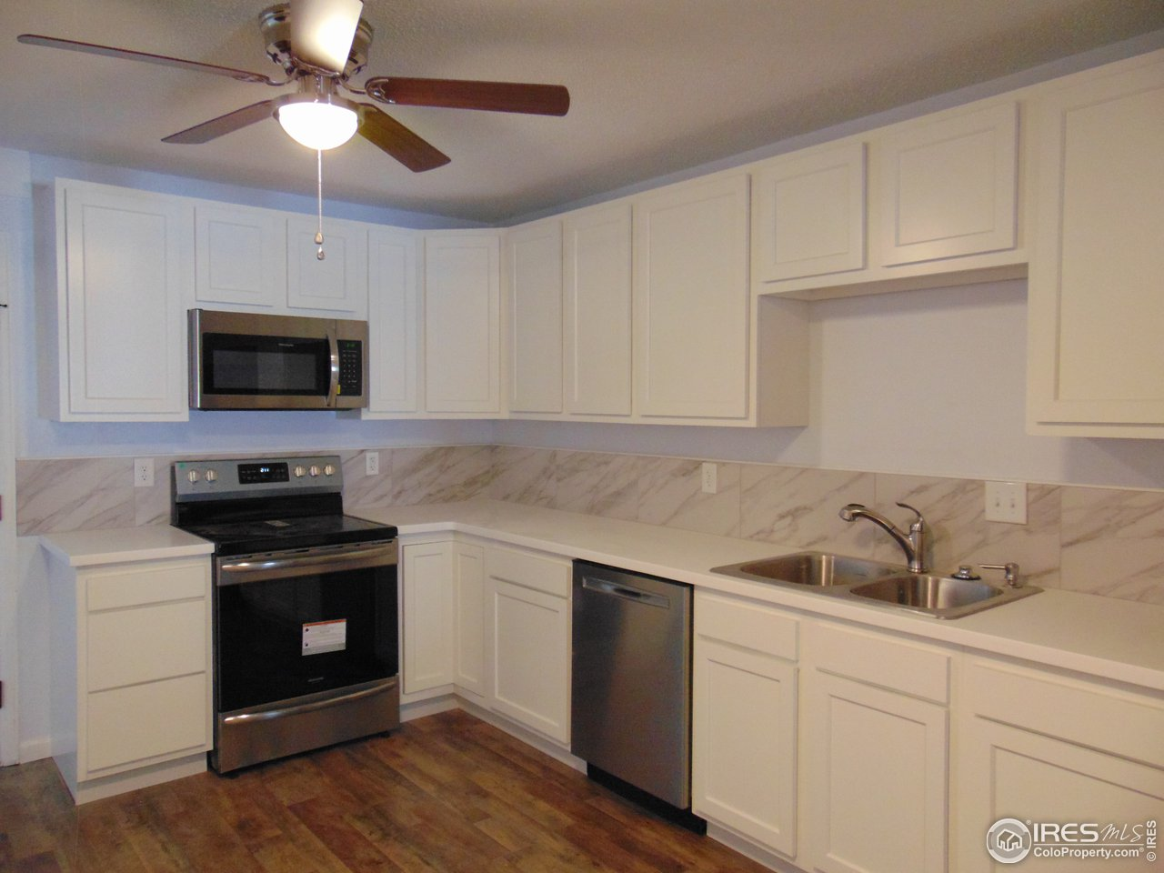 New kitchen cabinets and appliances
