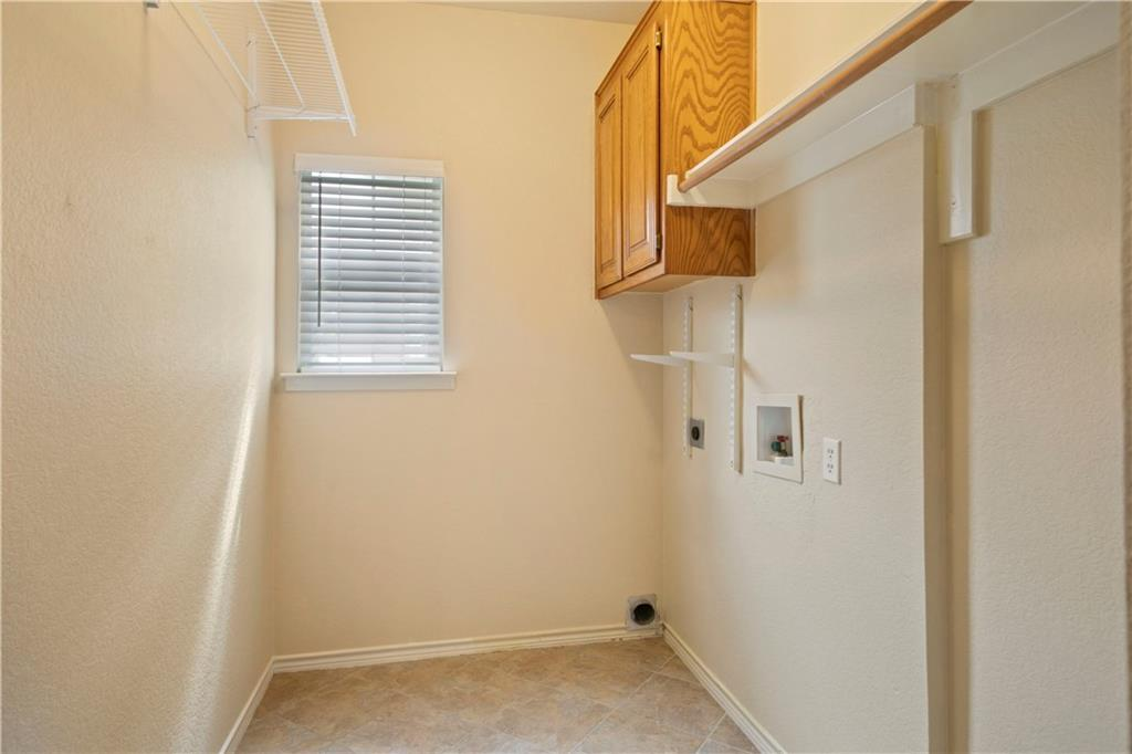 Granite counters, newer stainless appliances. Cook top is electric and it is also plumbed for gas.