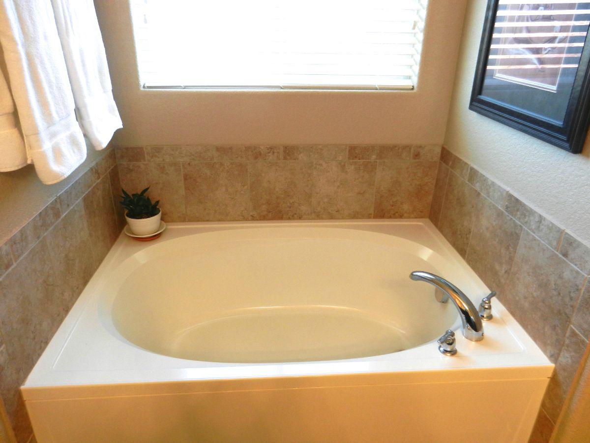Large soaking tub in Master