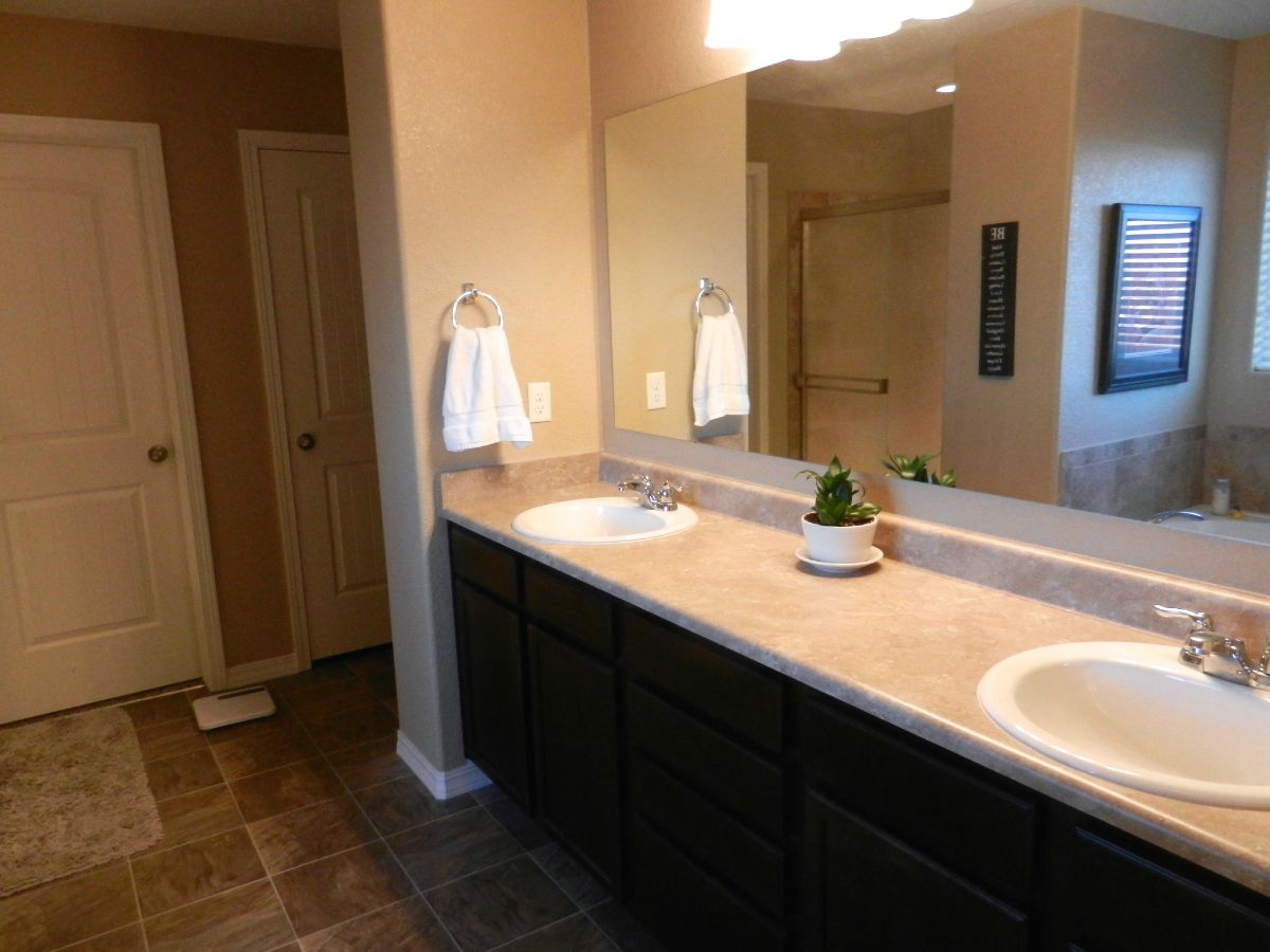 Master Bath-Double Sinks