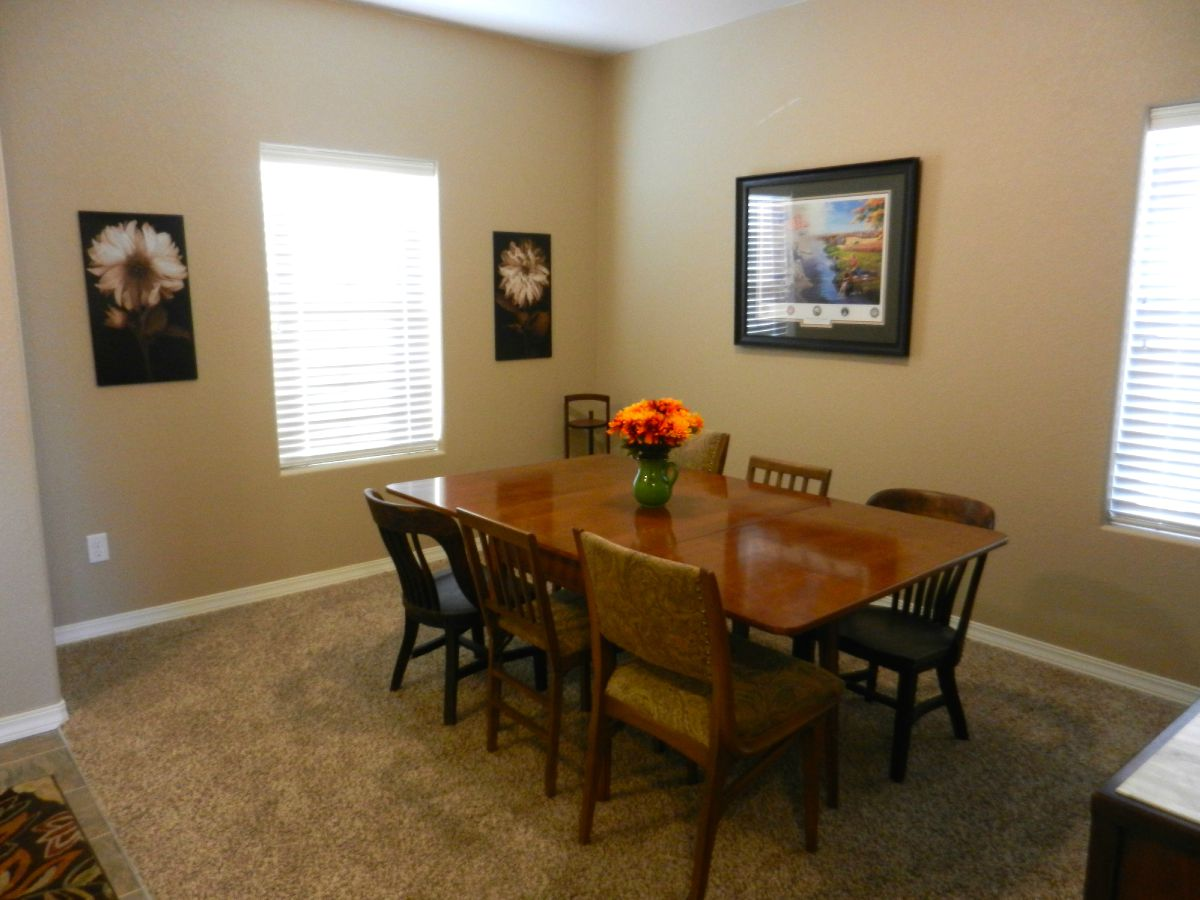 Separate formal dining area