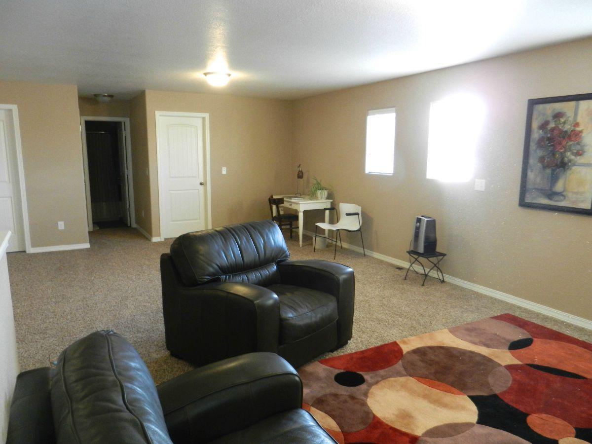 2nd Family Room/Upper Level