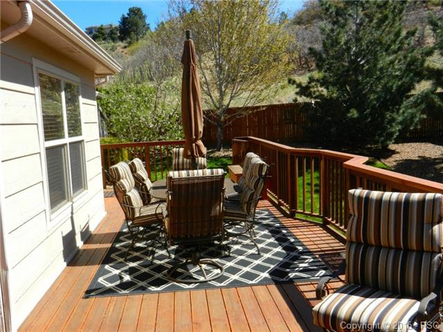 Another view of the deck~Enjoy the solitude