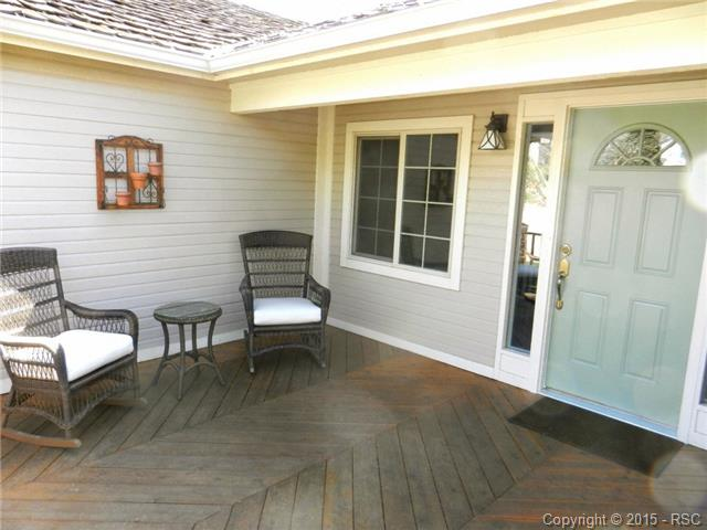 Front Porch to sit, relax and enjoy the solitude