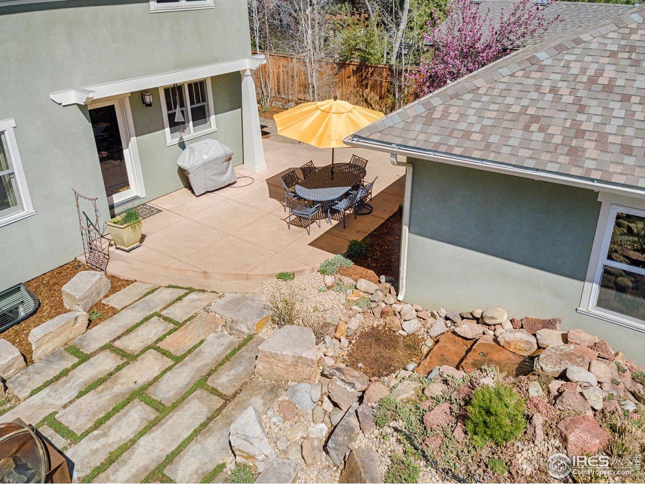 Hardscaped backyard & detached 2-car garage