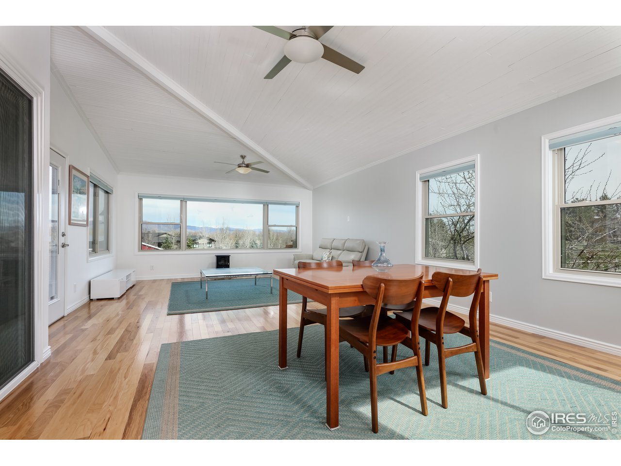 Large Dining/Family/Sun Room w/ Views!