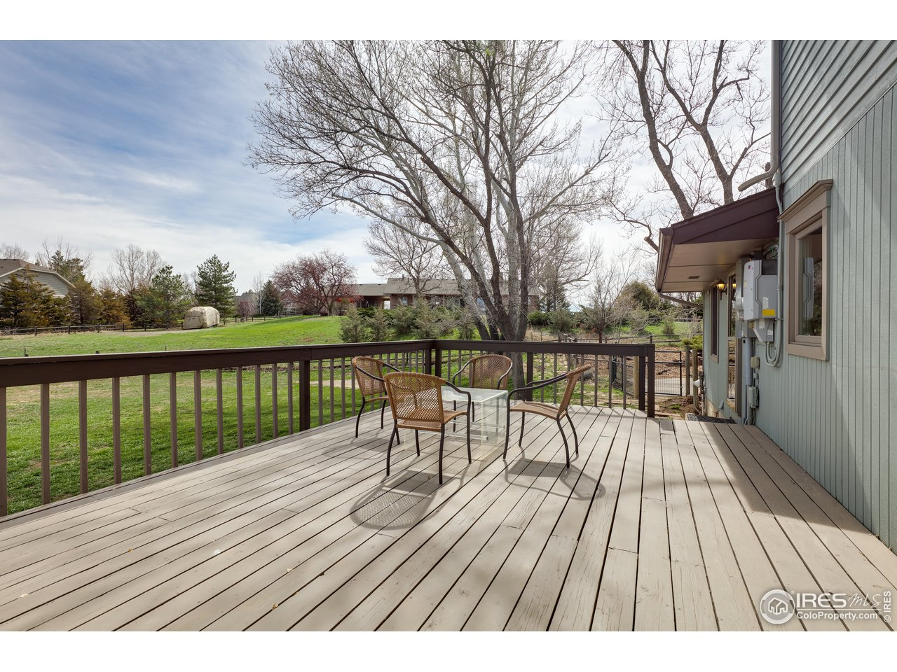 Side Deck with Mountain Views!
