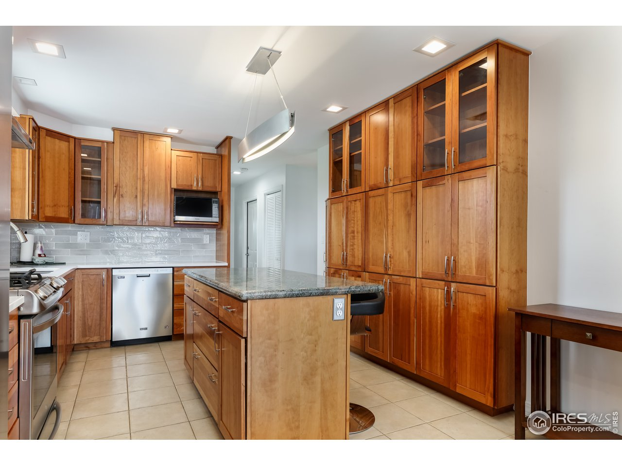 Kitchen w/ Ample Cabinet Space