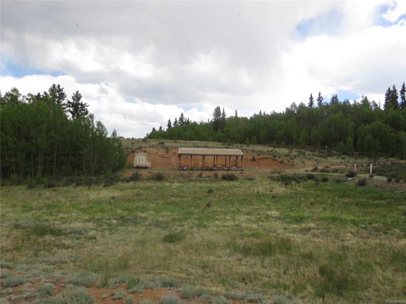 Resident picnic area in Elkhorn Ranch