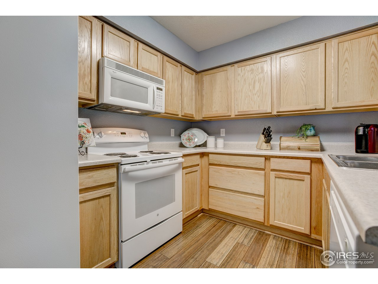 All Kitchen Appliance are Included