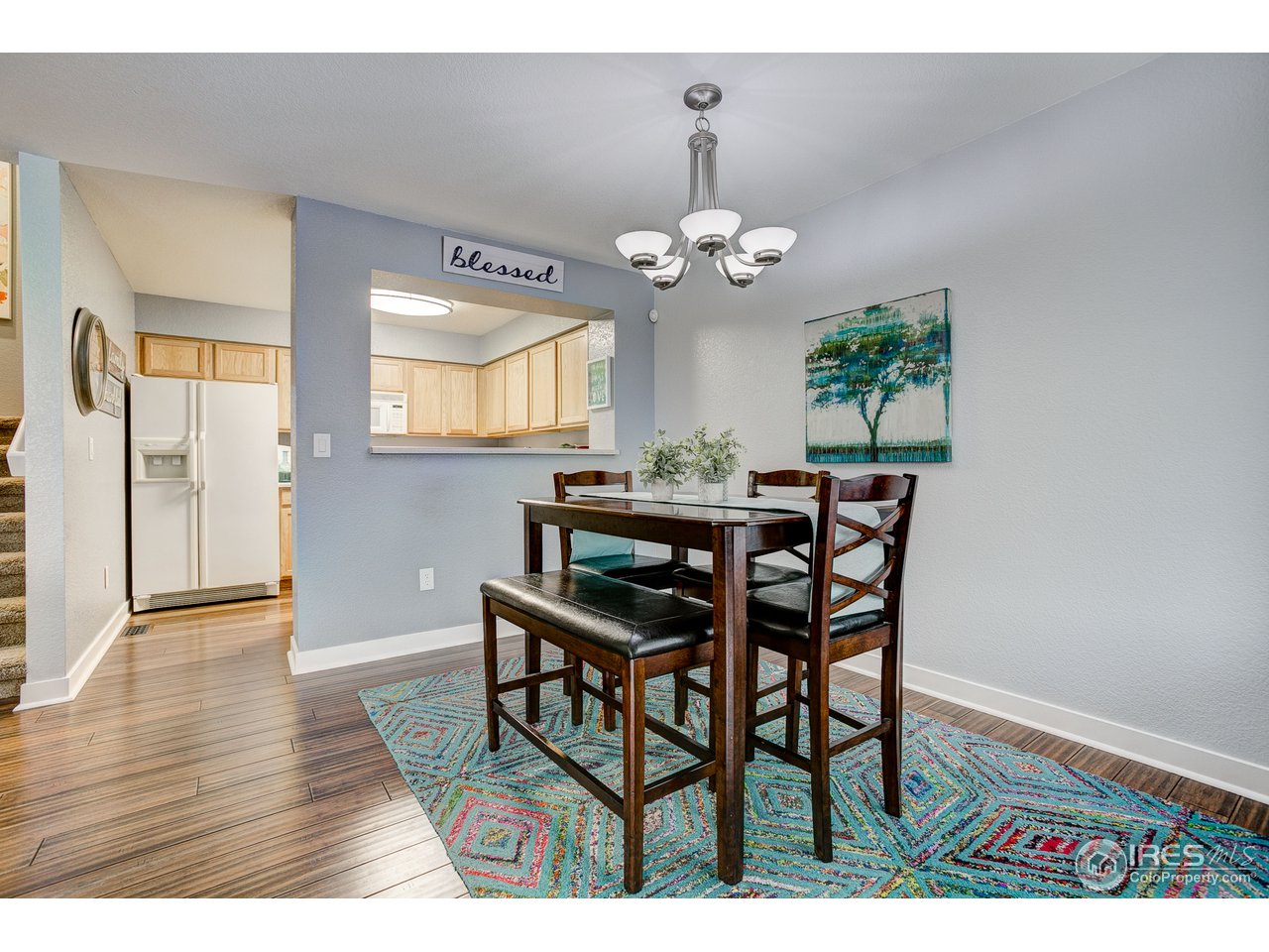 Spacious Dining Area w/Kitchen Access