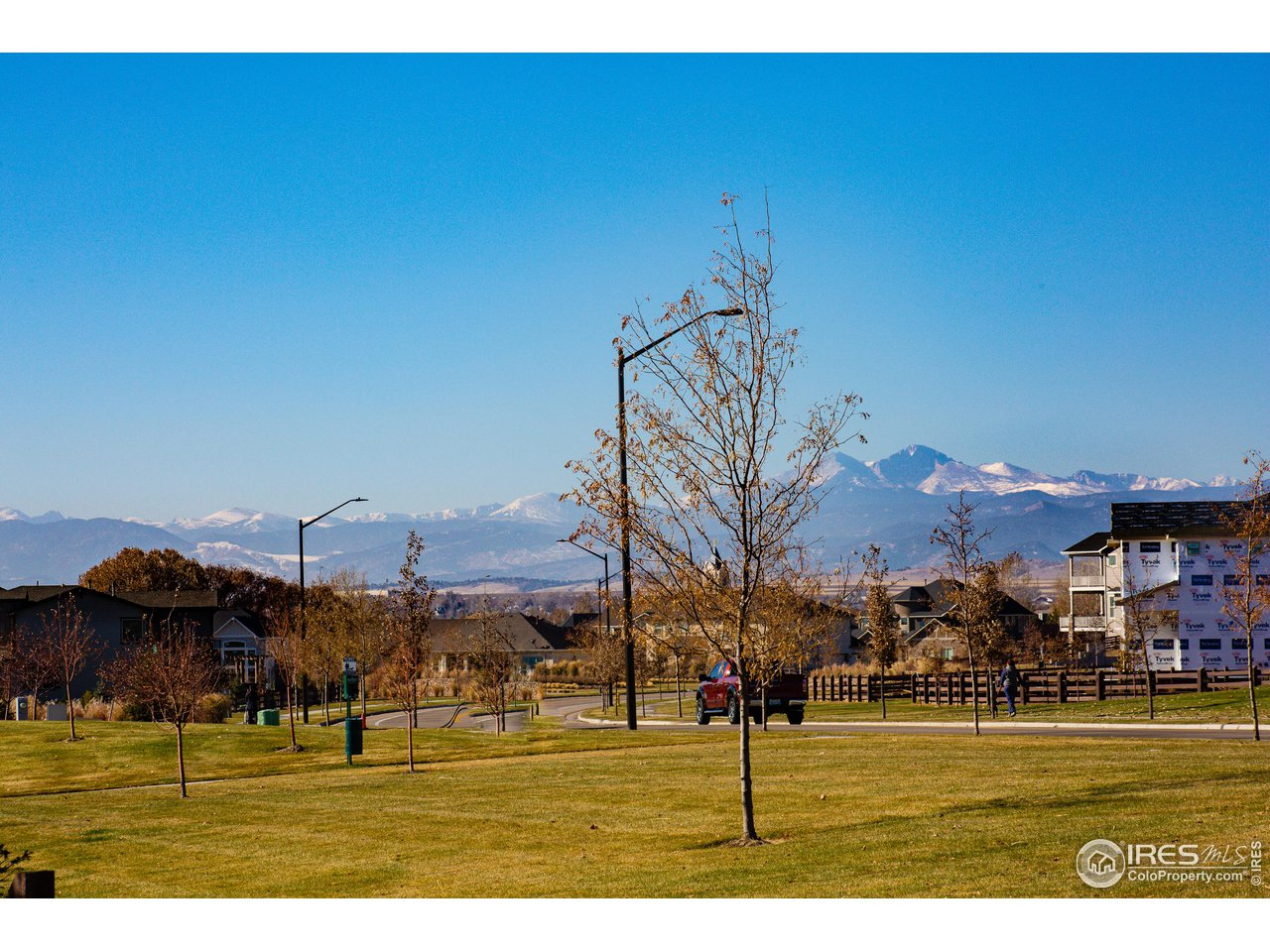 SPECTACULAR Mountain Views from the Rear