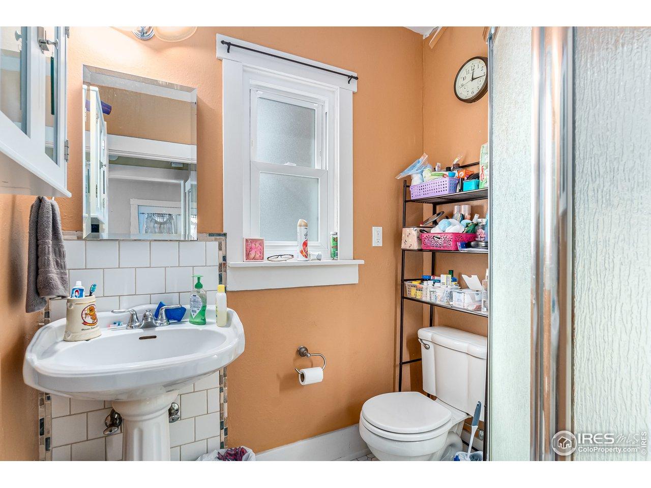 3/4 Main Level bath