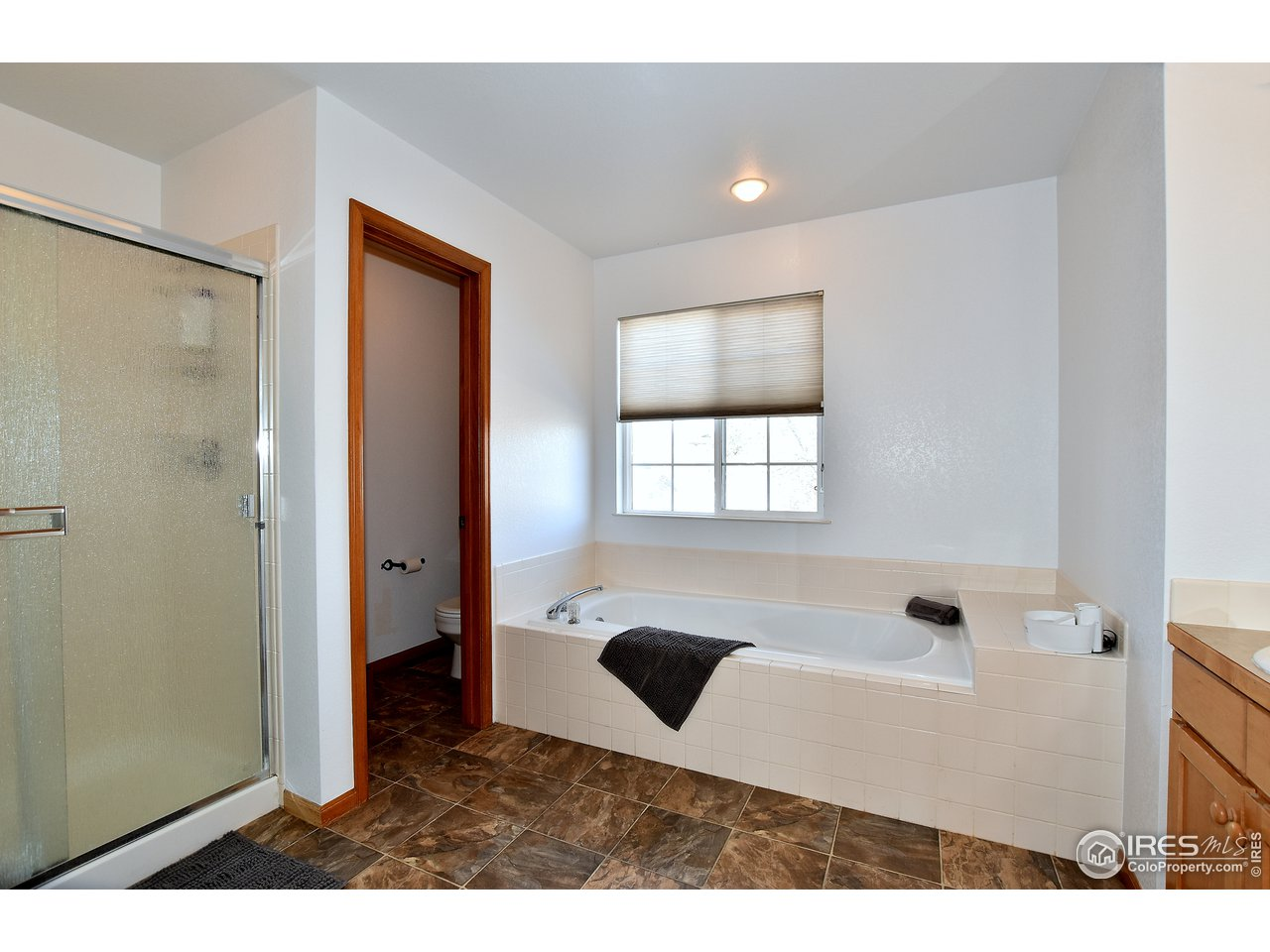 Full master bath with oversized shower
