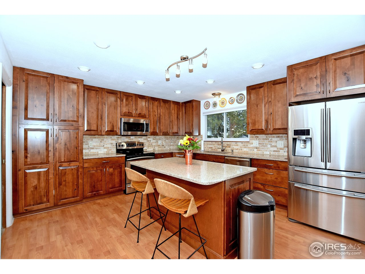 Totally remodeled kitchen with quartz and alder