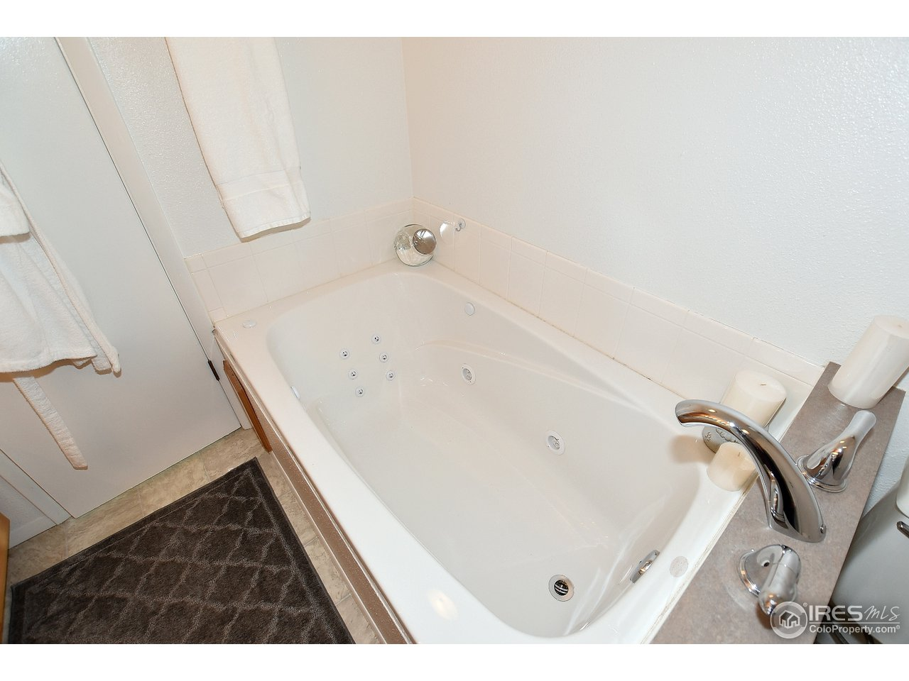 Jetted tub in the master bath