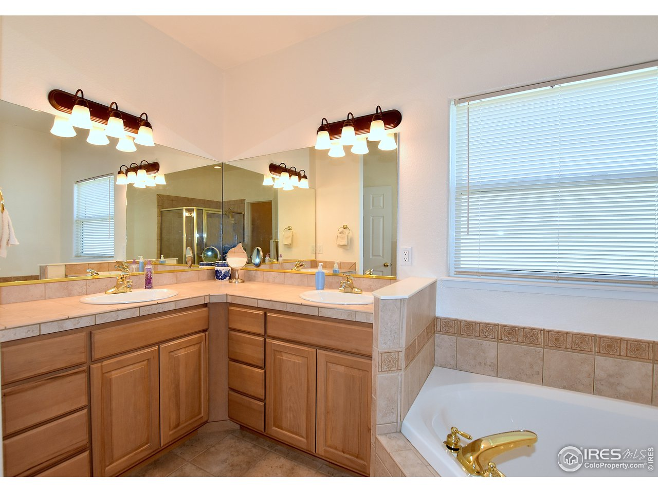 5 piece master bathroom tile countertops and flooring