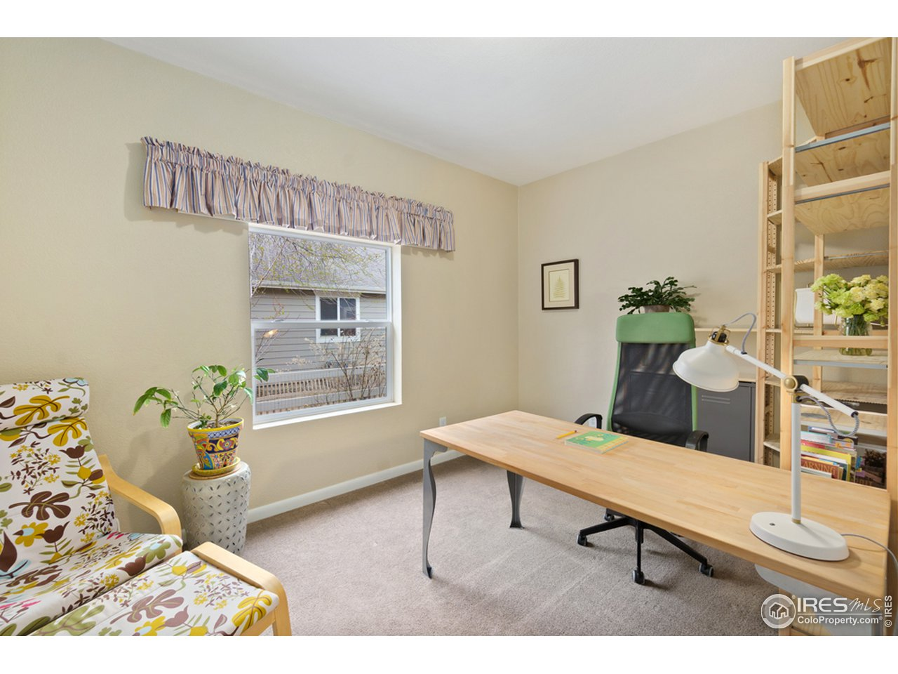 2nd bedroom or great office/study on main level