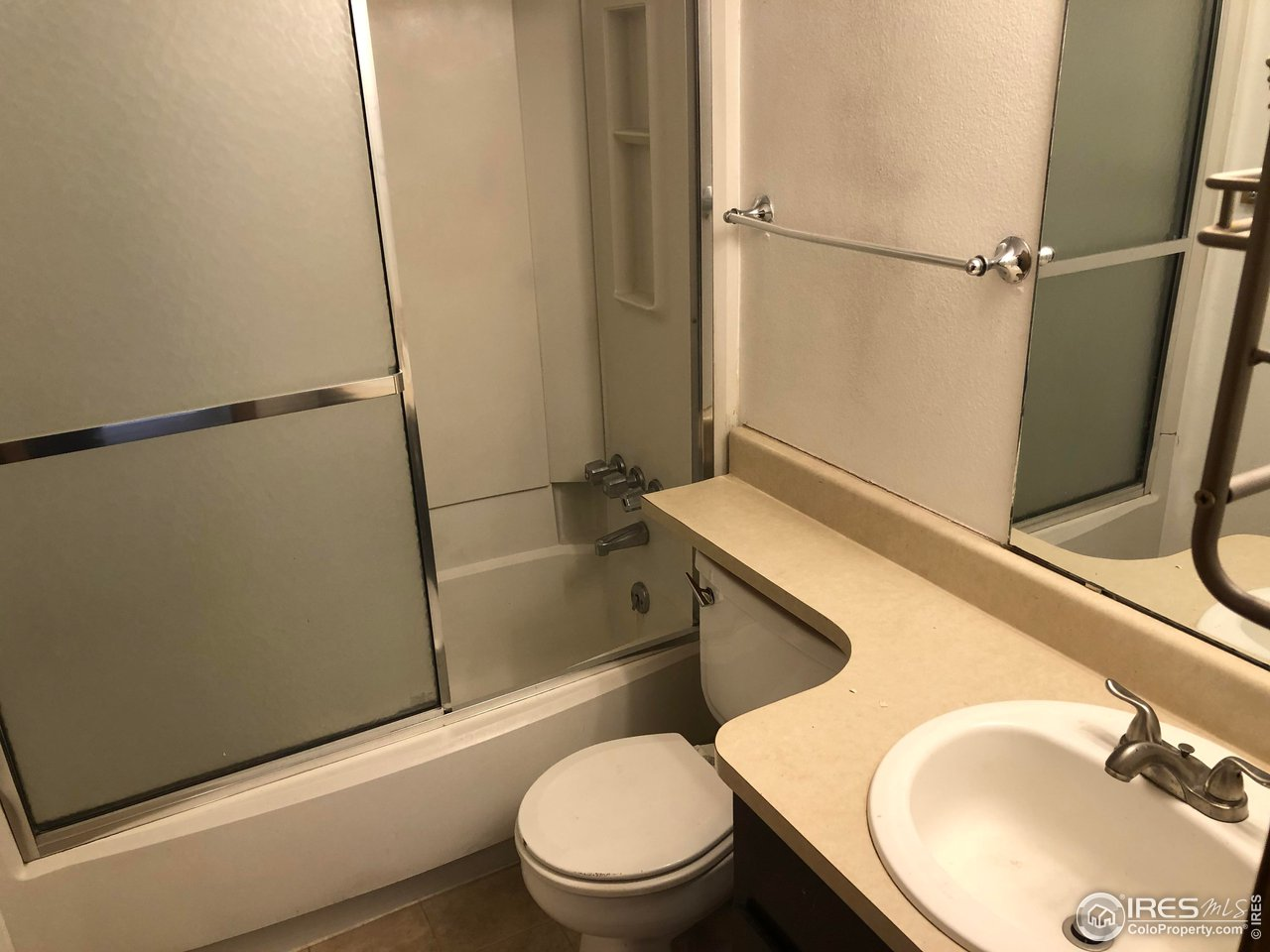 Full Bath Next To 2nd Bedroom