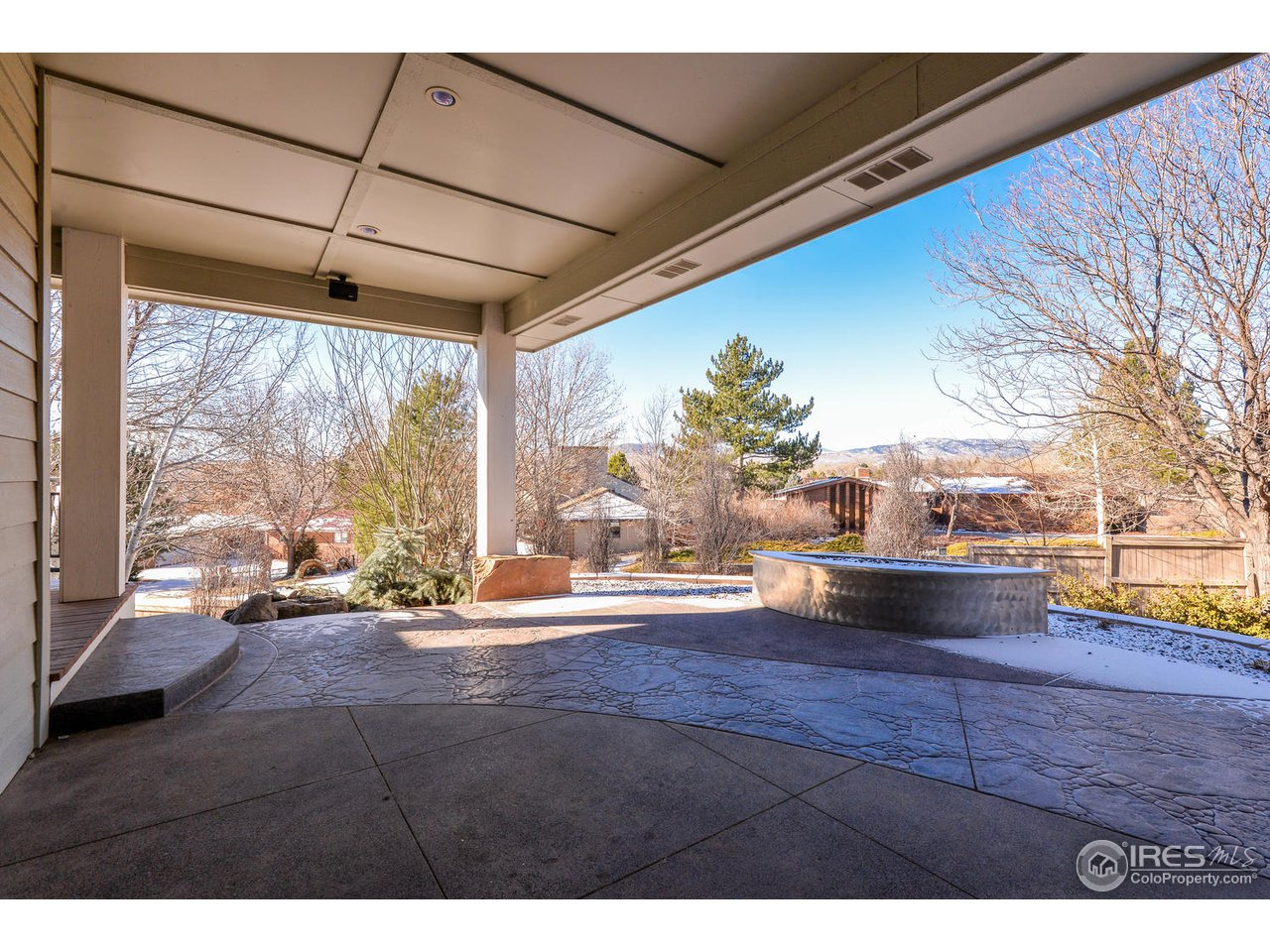 Gas Fire Pit and Covered Deck