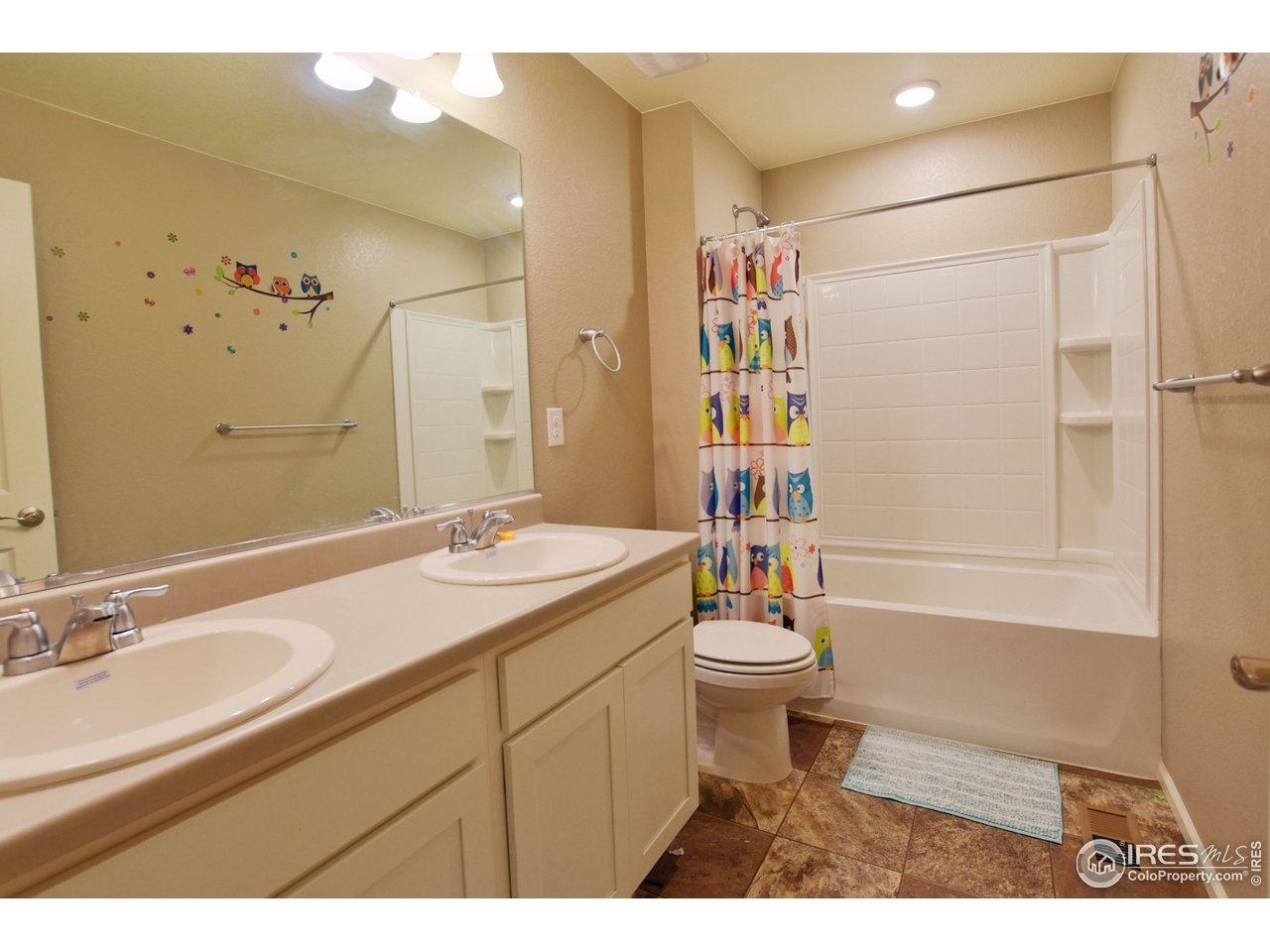 Upstairs double sink