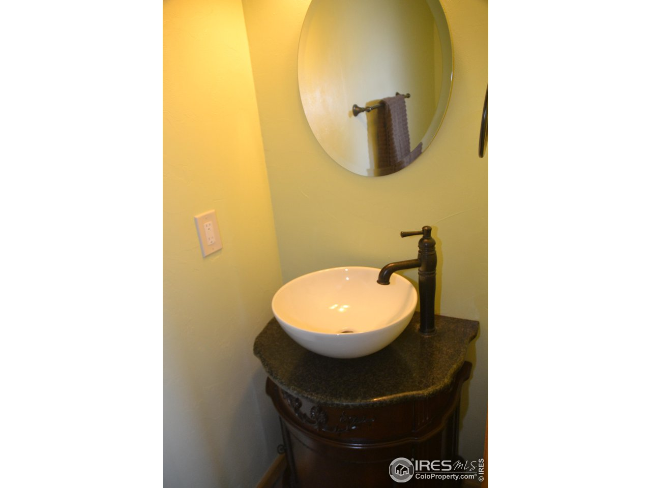 Upper Powder Bath
