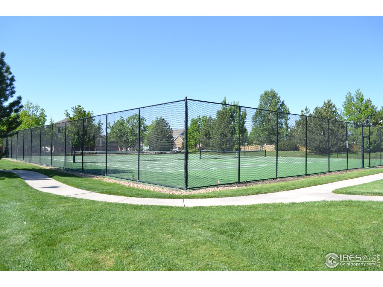 Both Public and Private Tennis Nearby