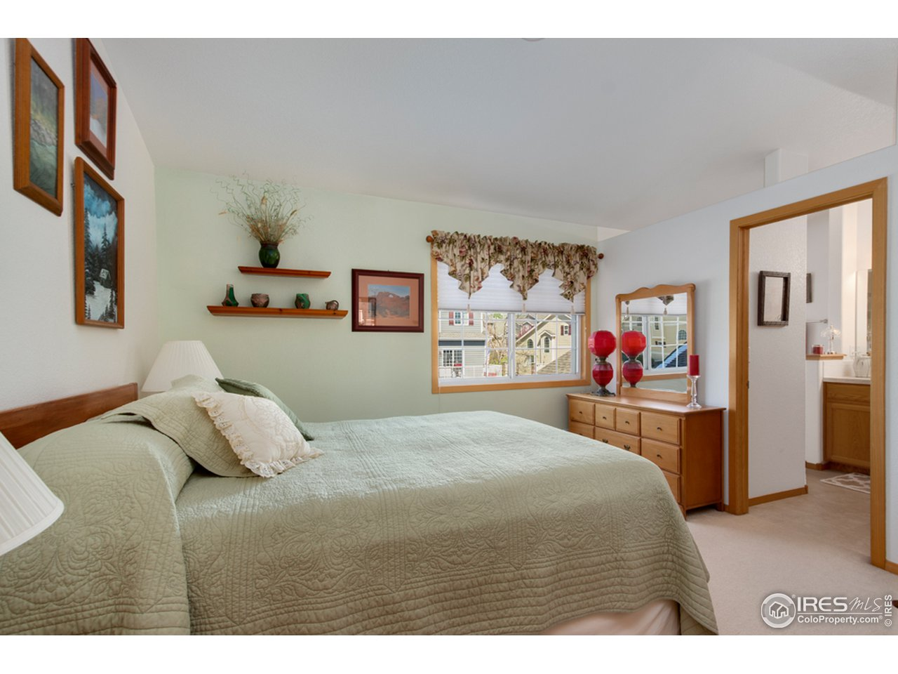 Guest Room Suite with 3/4 Bath and Walk-in Closet