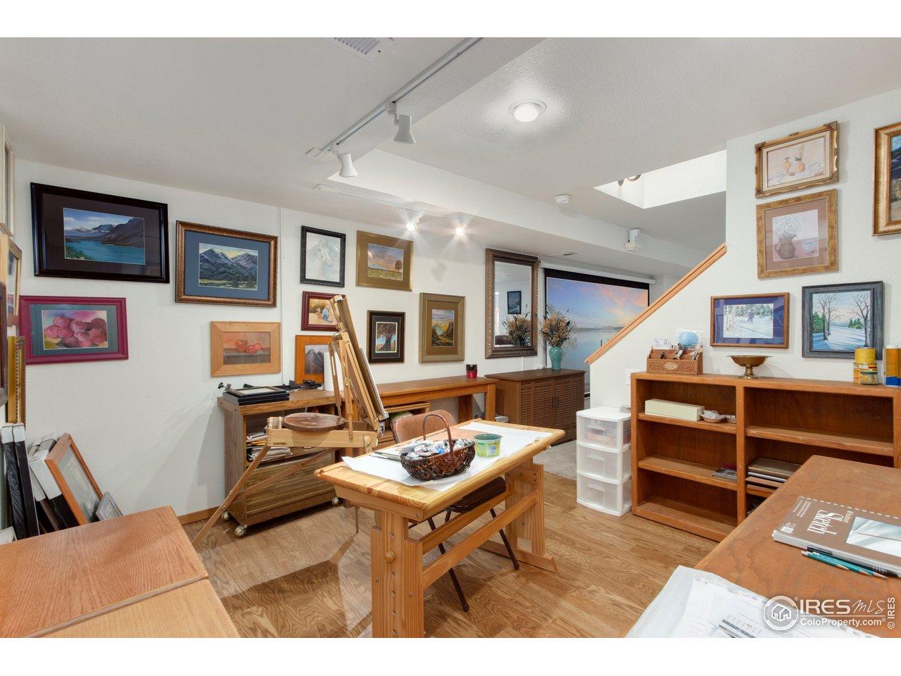 Flex/bonus/office or part of bedroom suite space in basement
