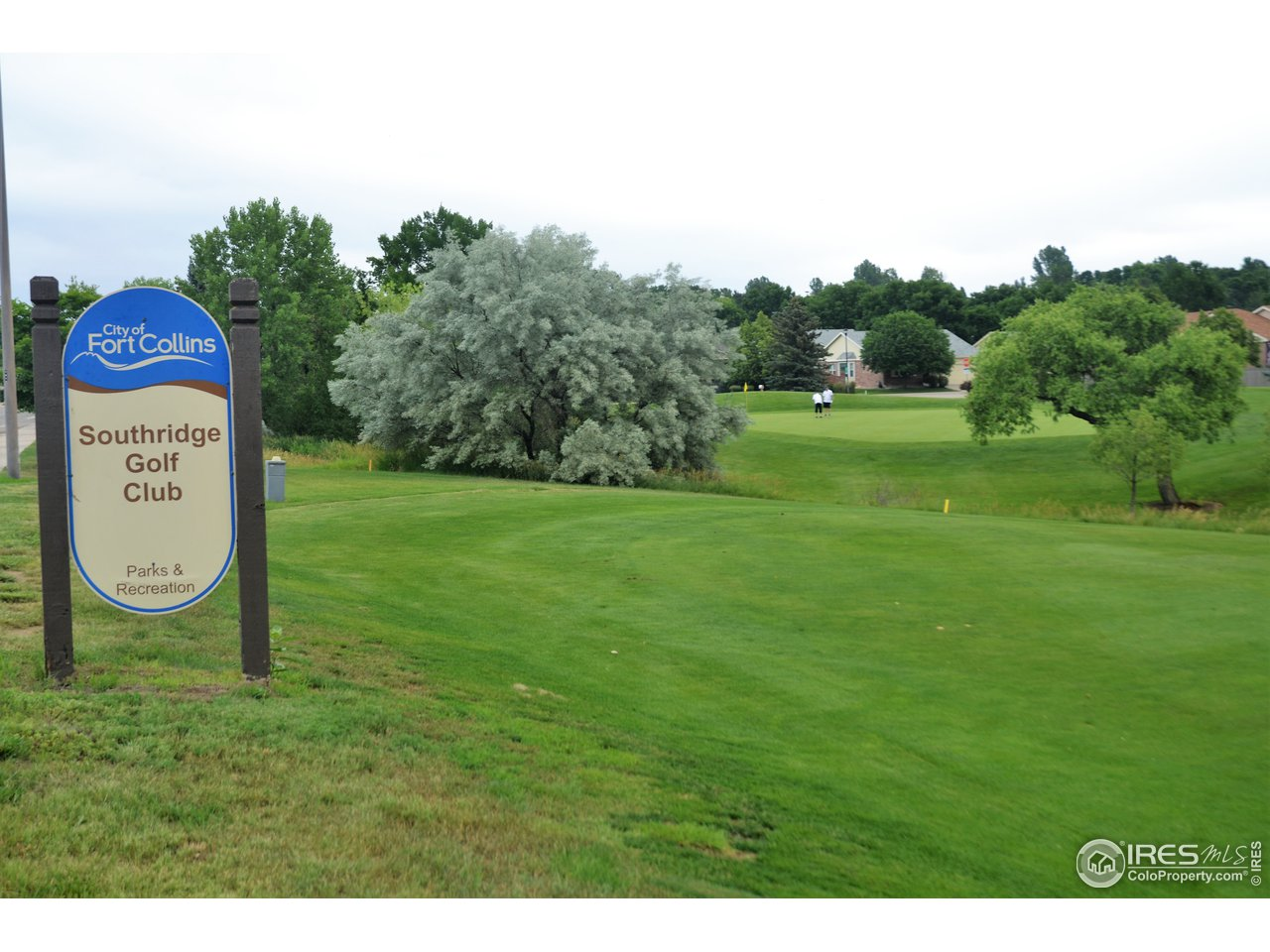Nearby public 18-hole golf course
