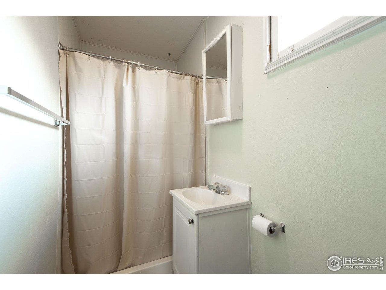 3/4 Bathroom