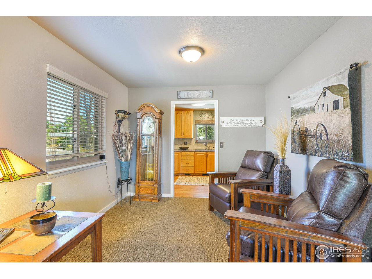 Formal Dining or sitting Area