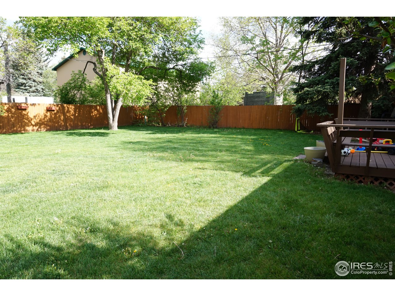 Large Private Fenced Yard