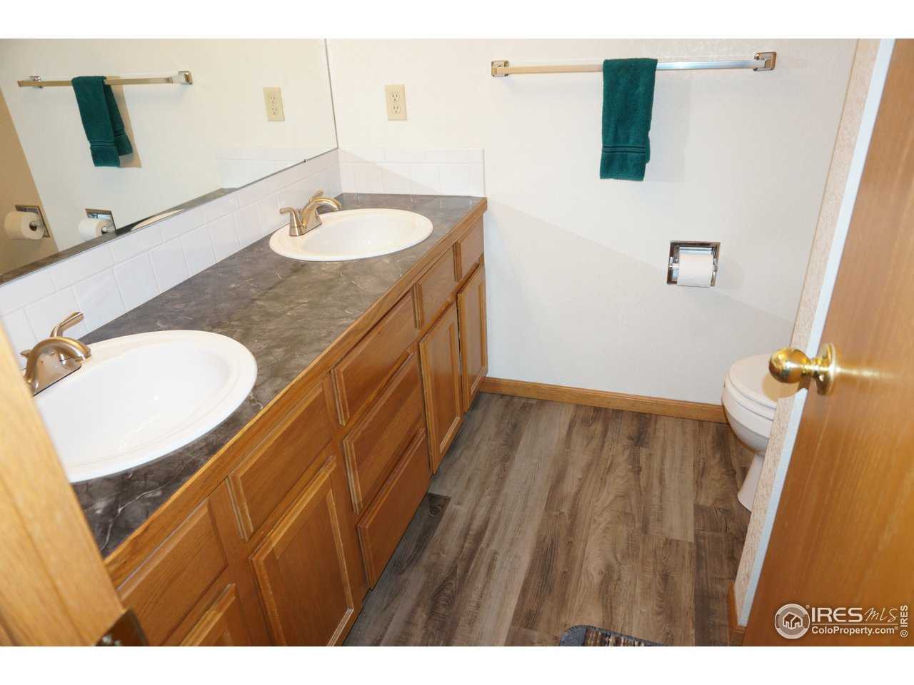 3/4 Bath and double vanity in Primary Bedroom
