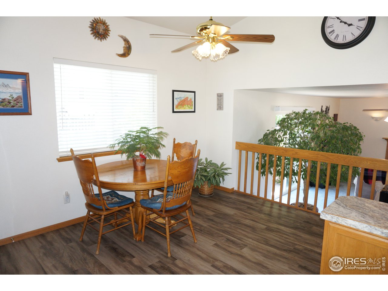 Large Eating Area in Kitchen