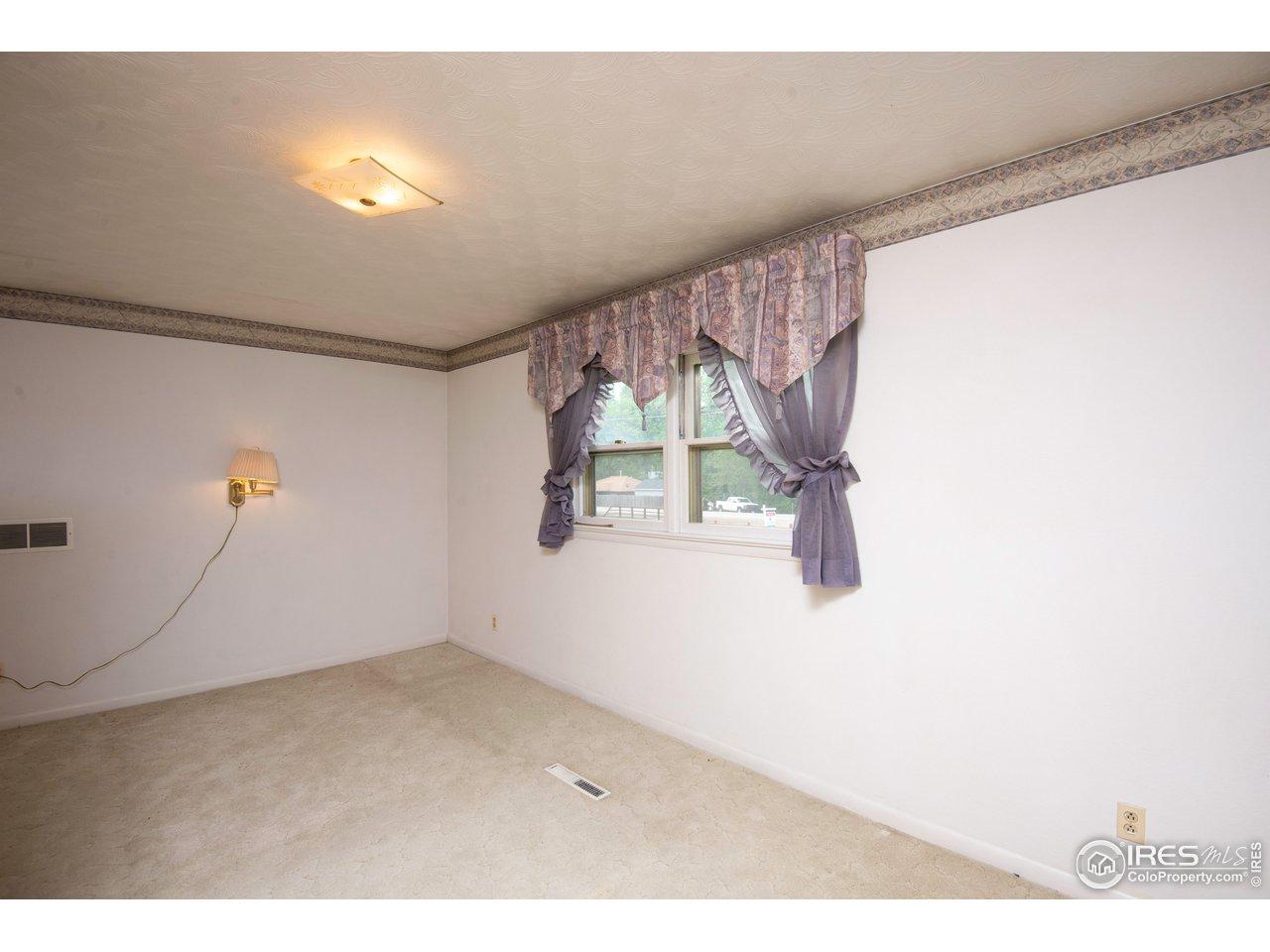 2nd bedroom upper level