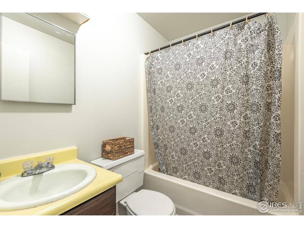 Full bath located on upper level