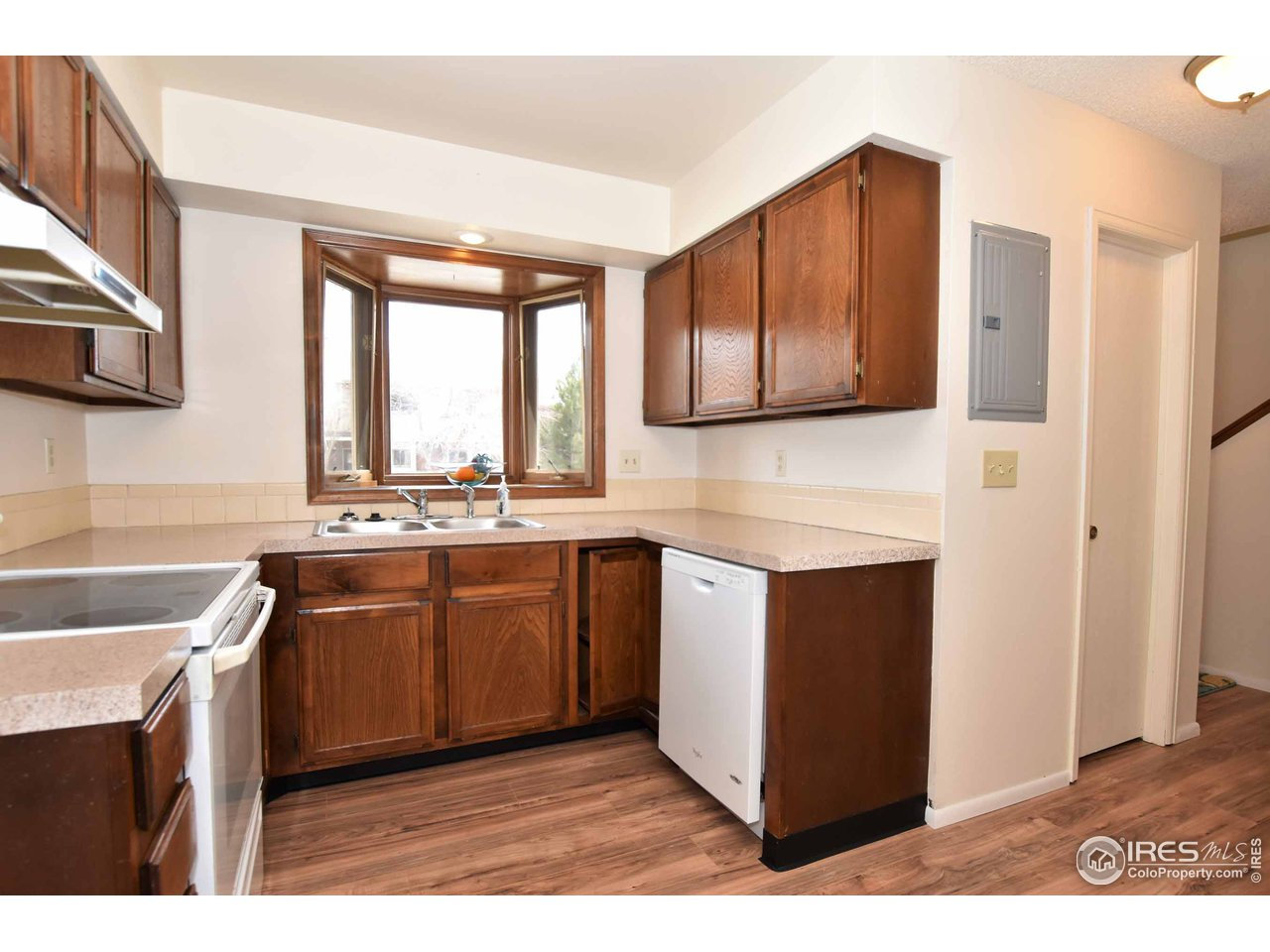 Kitchen with bow window