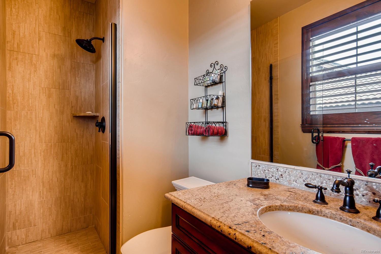 Ensuite Bath Main Floor
