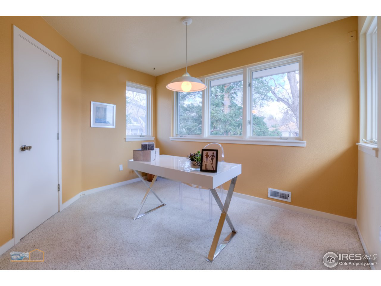 Office or dining nook