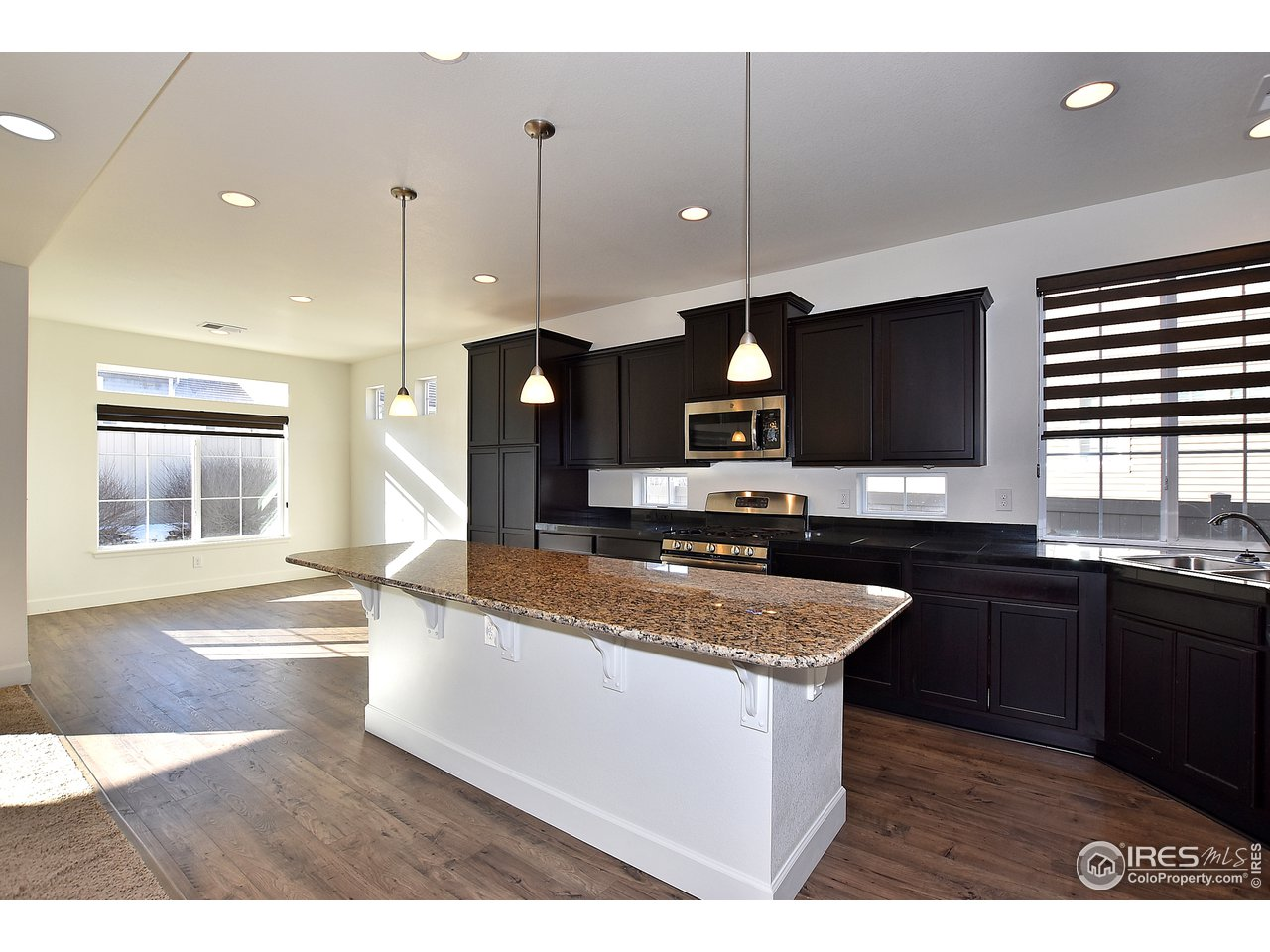 Lovely dining room space off of kitchen