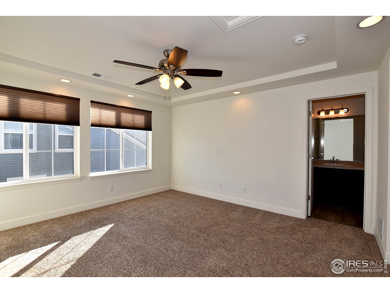 Upper level 2nd master suite